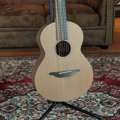 Sheeran by Lowden W01 Walnut Cedar incl. Sheeran-Gigbag + NEW with invoice for sale
