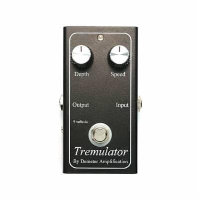 DEMETER TRM-1 Tremulator Tremolo Vibrato Pedal