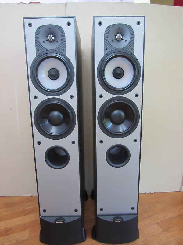 Paradigm Monitor 7 V3 speakers in excellent condition