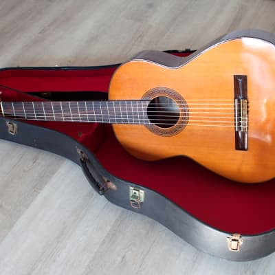 Hand made in Japan Vintage SHINANO SC25 Classical guitar in excellent condition for sale
