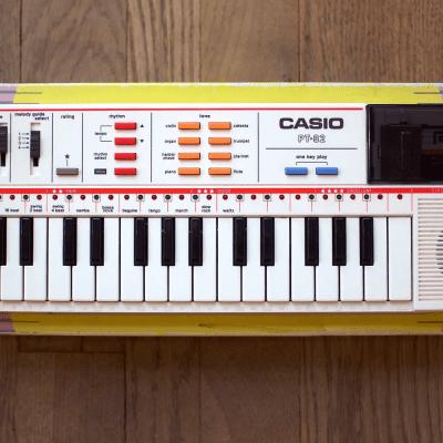Casio PT-82 Mini Synthesizer 1980s
