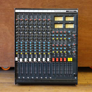 Soundcraft Series 200B 8-Channel 4-Bus Mixing Console