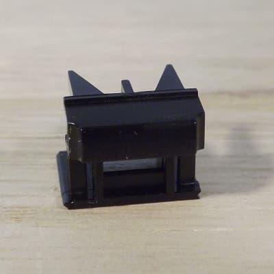 Roland JV-880 parts - button (no window)