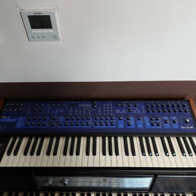 Dave Smith Instruments Poly Evolver Polyphonic Synthesizer