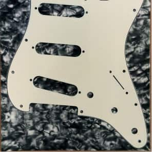 Allparts PARCHMENT 3 ply Pickguard For USA Fender Stratocasters for sale