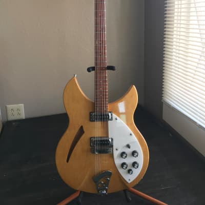 Rickenbacker 330/12   1996 Natural