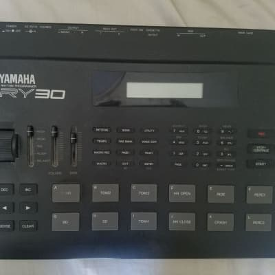 Yamaha RY 30 + FX Drums Sound Card