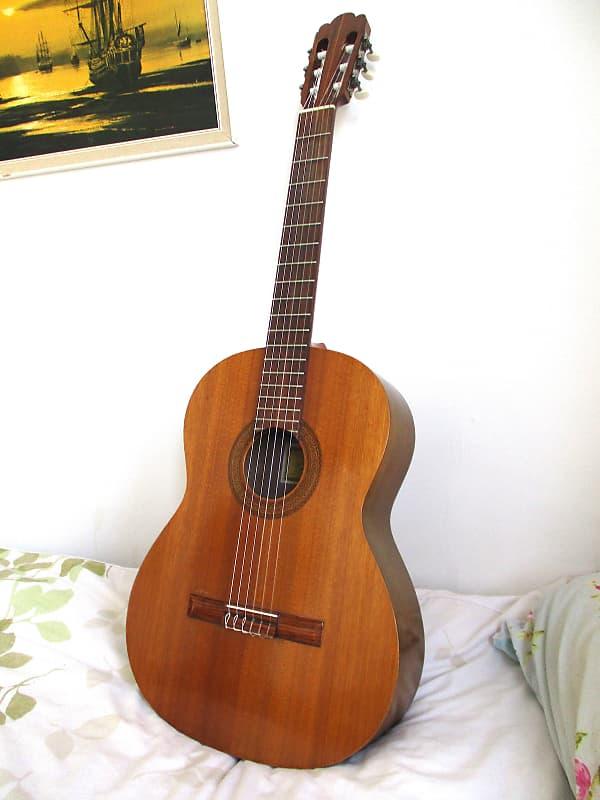 Mm 20 aria guitar serial dating