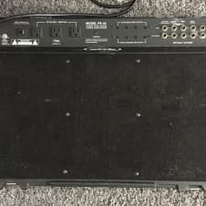 SKB  PS-45 Powered Pedalboard w/ Pro Hard Case
