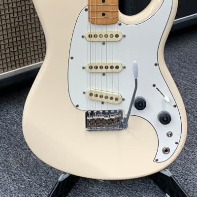 Ibanez Roadstar II RS205 1982 Aged White for sale