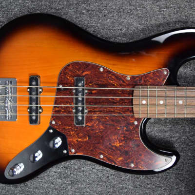 KSD V60 J4 (Flaws) 3 Tone Sunburst NOS / Full Warranty for sale