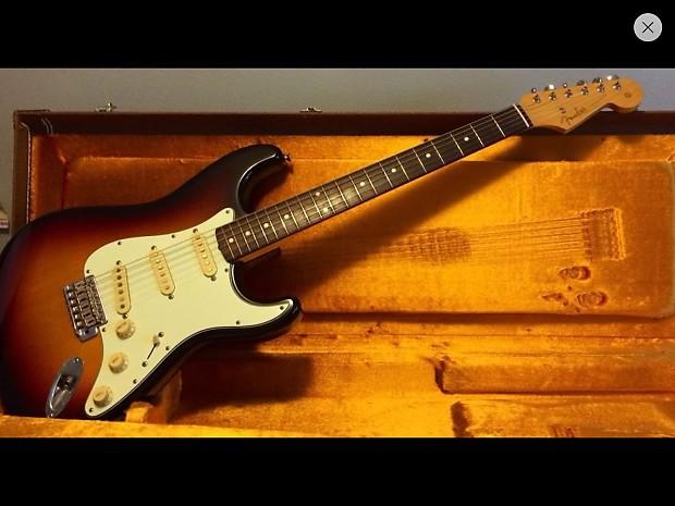 1962 Fender Stratocaster Reissue : fender 1962 39 62 reissue stratocaster 1997 sunburst reverb ~ Vivirlamusica.com Haus und Dekorationen