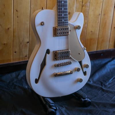 Carparelli Classico SH1 Electric Guitars - Opalescent White *Showroom Condition for sale