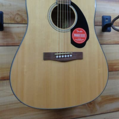 New Fender® CD60S Dreadnought Pack V2 Acoustic Guitar Solid Spruce Top Natural
