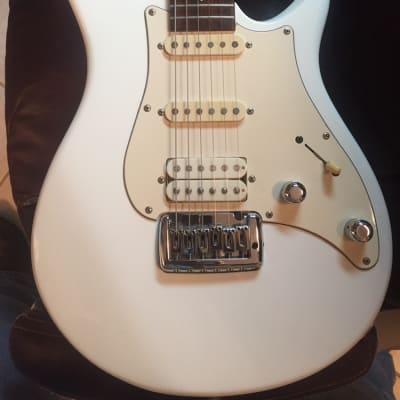 Peavey Impact Firenza 1994 White for sale