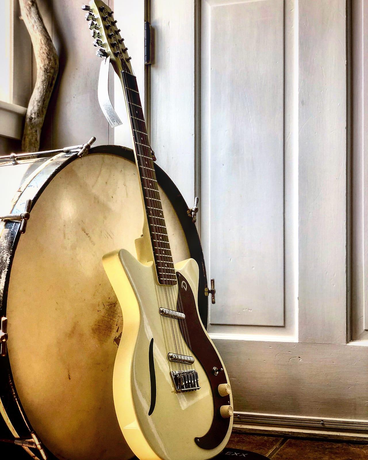 Danelectro 59 Vintage 12 String Guitar - Vintage White