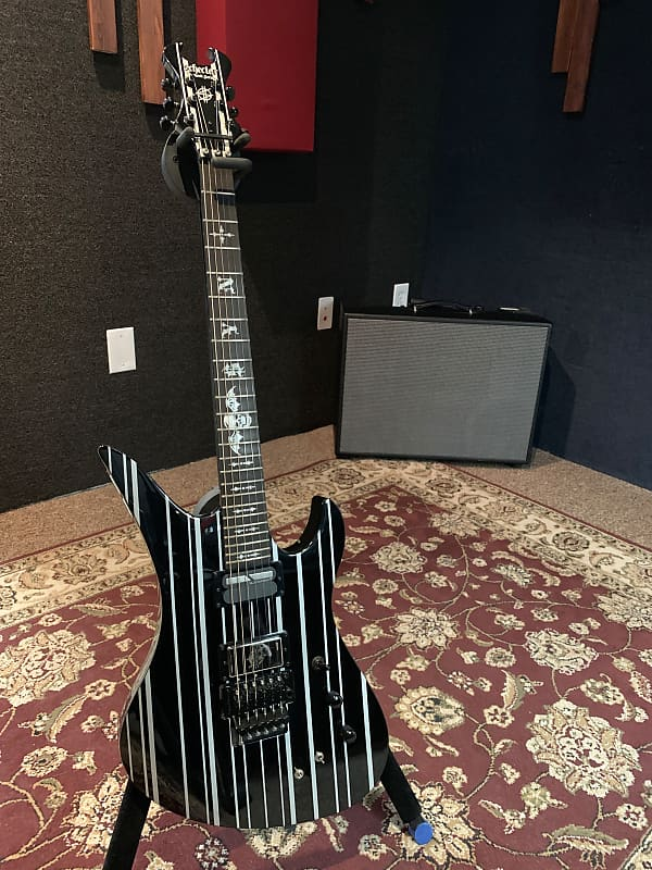 Schecter Synyster Gates Stage Played Custom S Owned by Avenged Sevenfold