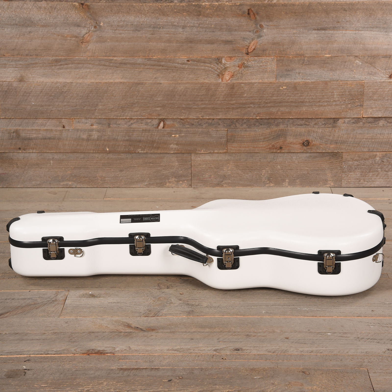 calton dreadnought guitar case white w blue interior used. Black Bedroom Furniture Sets. Home Design Ideas