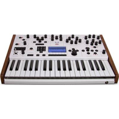 Modal Electronics 001 Hybrid Digital / Analog 2-Voice Synthesizer