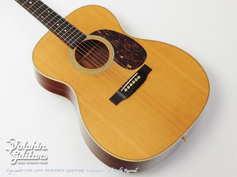 martin 000 28h 2001 pre owned dolphin guitars reverb. Black Bedroom Furniture Sets. Home Design Ideas
