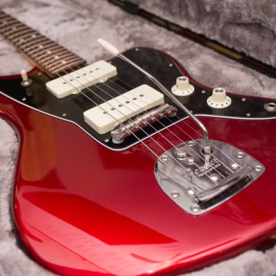 Fender American Professional Jazzmaster with Rosewood Fretboard 2017 - 2019 Candy Apple Red