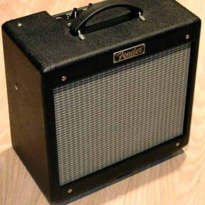 """Fender Pro Junior III 15-Watt 1x10"""" Guitar Combo"""