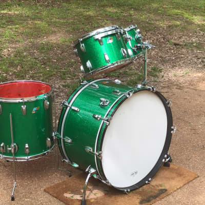 """Ludwig  Green Sparkle Maple Classic Drum Set 26"""" Bass Drum 13, 14, 16"""