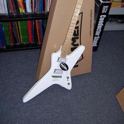 Kramer Voyager Electric Guitar, Alpine White for sale