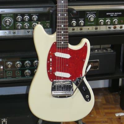 """Fender Japan C.I.J. """"O"""" series '66  Mustang Reissue . 1997-2000 MIJ  MG-66"""