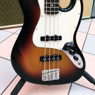 FENDER FENDER HIGHWAY ONE JAZZ BASS SUNBURST USA 2004 SUNBURST for sale
