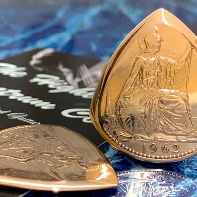 Special Offer. 25% Off Regular Price.....One Queen Elizabeth 1962 Bronze Penny Coin Plectrum.