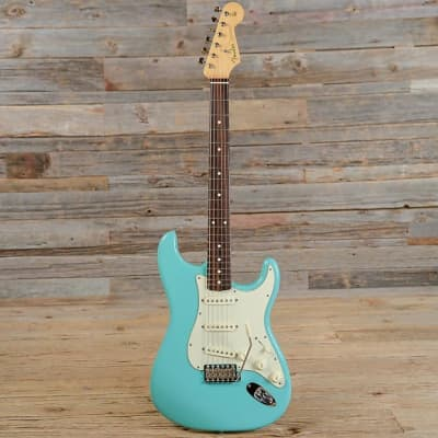 "Fender American Vintage ""Thin Skin"" '62 Stratocaster"