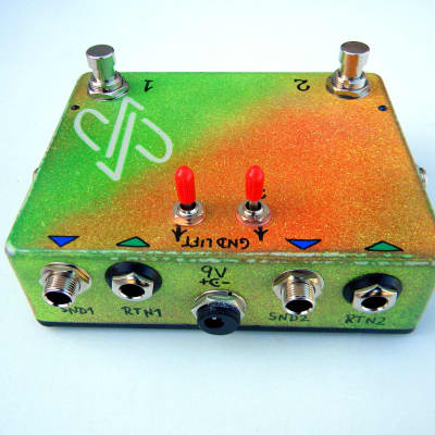 dpFX Pedals - True-Bypass Effects Loop Switcher, (dual loop, with Ground Lifts)