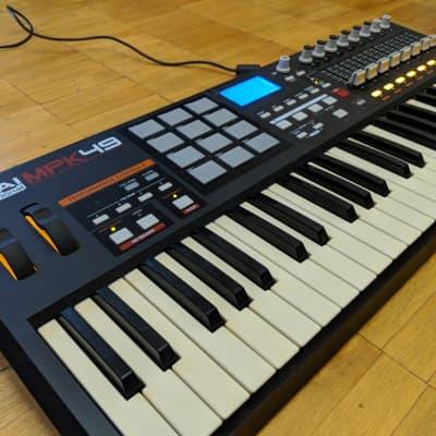 Akai PRO MPK49 MIDI/USB Keyboard Controller