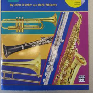 Alfred 00-17087 Accent on Achievement - E-flat Alto Saxophone (Book 1)