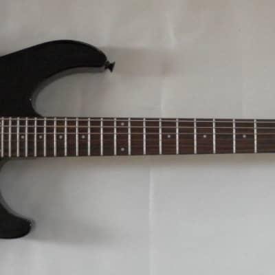 Peavey AT-200 Auto Tune Self-Tuning Electric Guitar Black