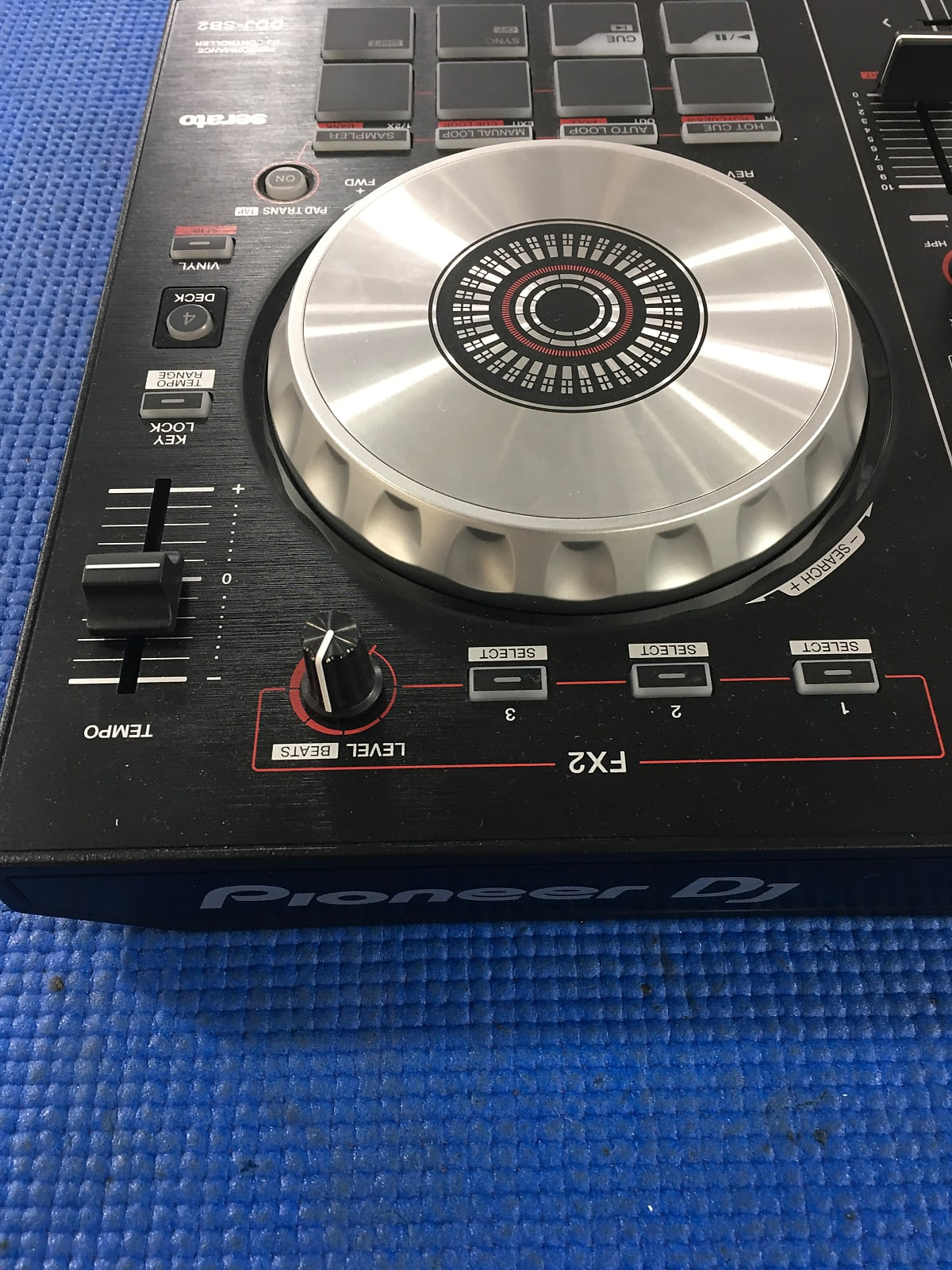 Pioneer DDJ SB2 DJ Controllers for Serato