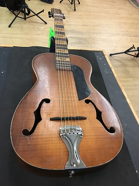 No Brand Vintage 1930s F-Holes Guitar