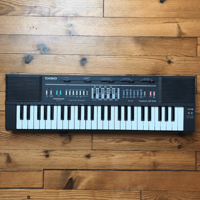 Casio MT-205 Casiotone 49-Key Synthesizer