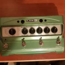 Line 6 DL4 Delay Modeler 2000s Green