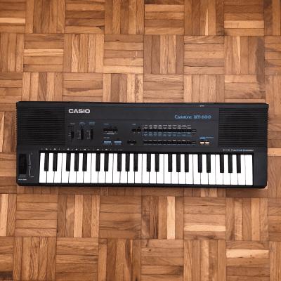 Casio MT-600 Casiotone 49-Key Synthesizer