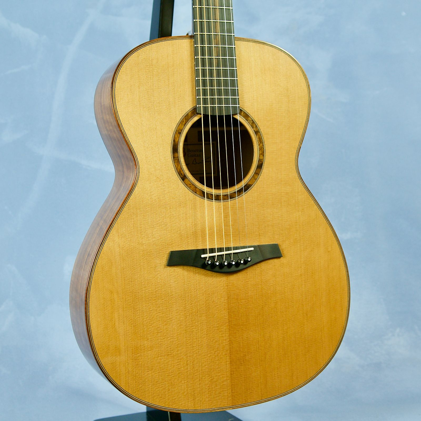 Beneteau Guitars OM - Black Walnut / Red Cedar