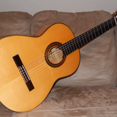 WONDERFUL ARIA A100F HAND MADE POWERFUL & VERY SPANISH FLAMENCO CONCERT GUITAR for sale
