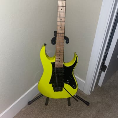 Ibanez RG550 Genesis Collection Double Cutaway HSH with Vibrato, Maple Fretboard for sale