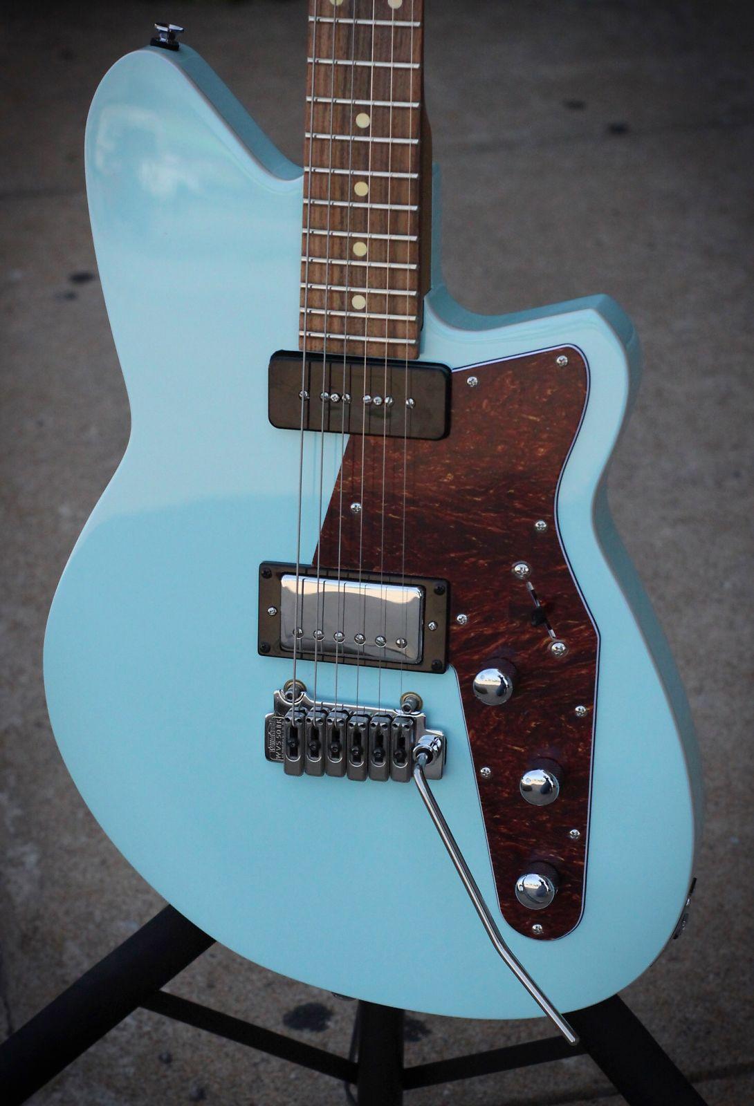 13f4026abb Reverend Guitars - Double Agent W with Pau Ferro fretboard - Chronic ...