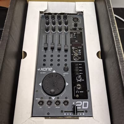 Allen & Heath XONE:02 Professional DJ Battle/Scratch Mixer