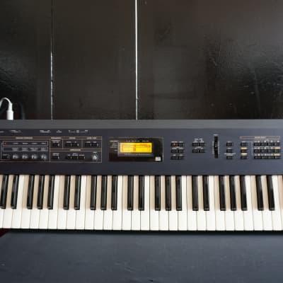 Korg N5 Digital Music Synthesiser House & Techno Synth 61 Key Synth W/ Effects