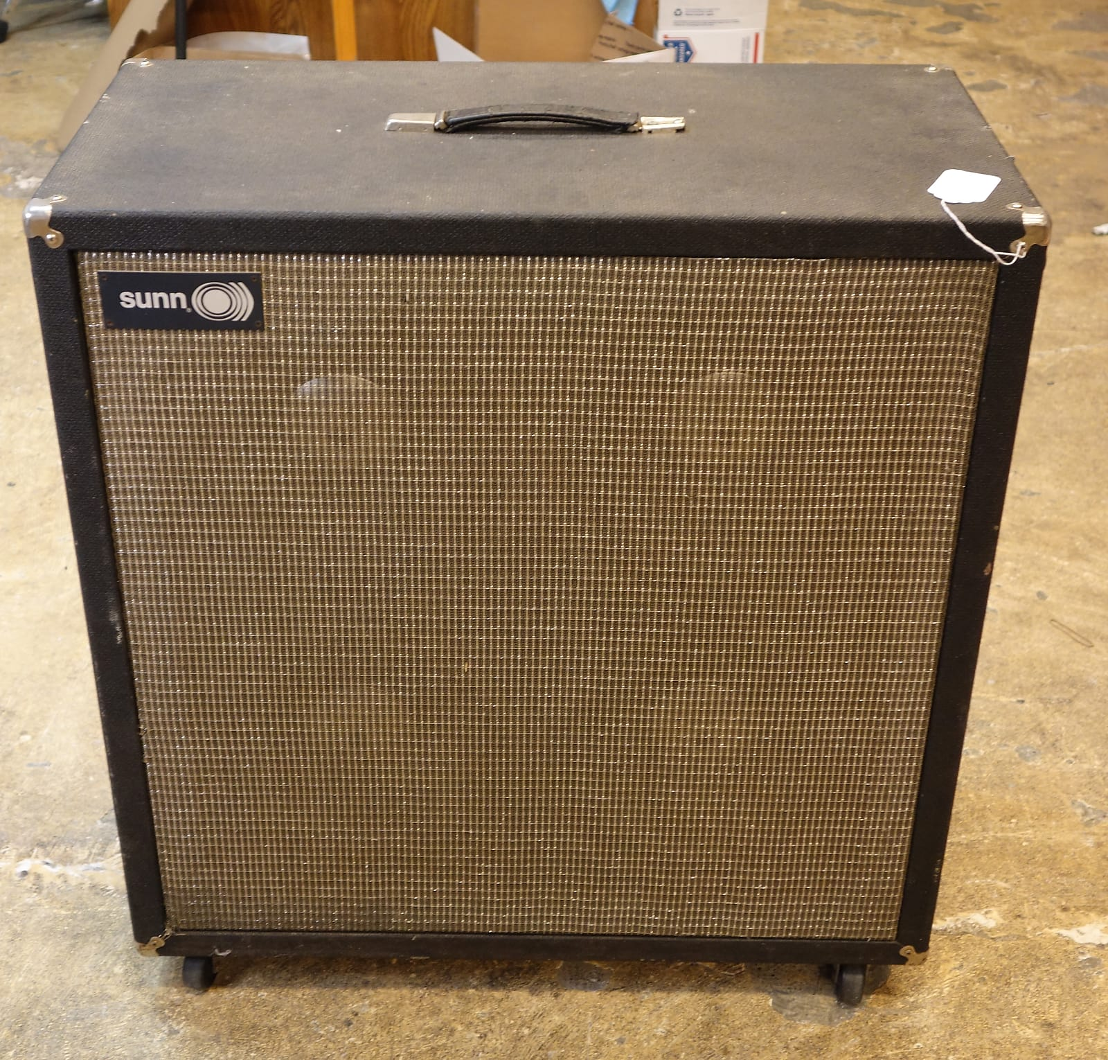 Vintage Sunn 4x12 412 S electric guitar cabinet (original speakers)