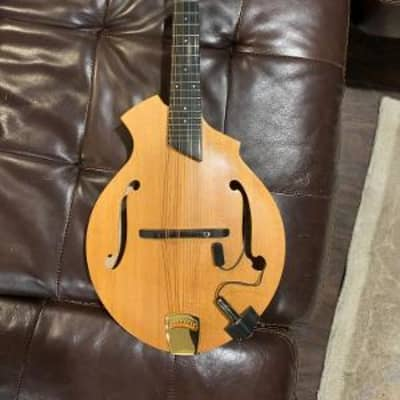 Breedlove American KF Quartz Mandolin- /LR Baggs Radius pick up and Para Acoustic D.I. w/hard case