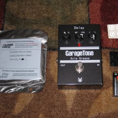 lite use Visual Sound Axle Grease Delay (ANALOG) GarageTone Series +strings,battery,feet,pw (NO box) for sale